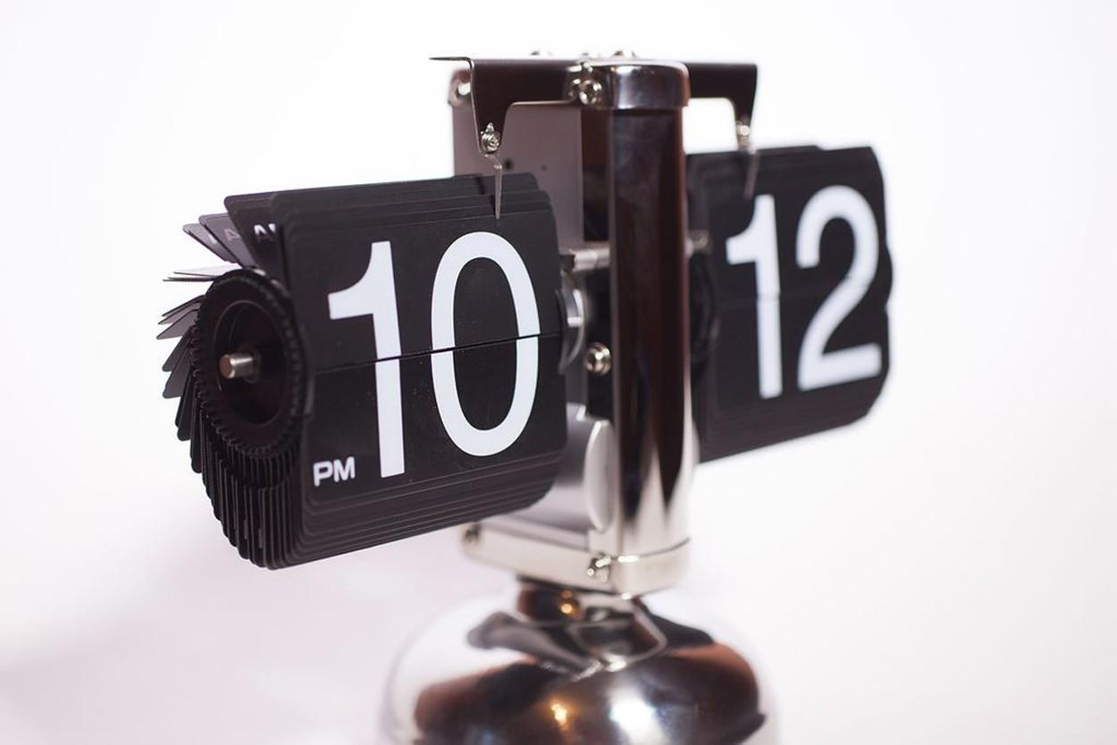 Классические перекидные часы Air-flip хром BL