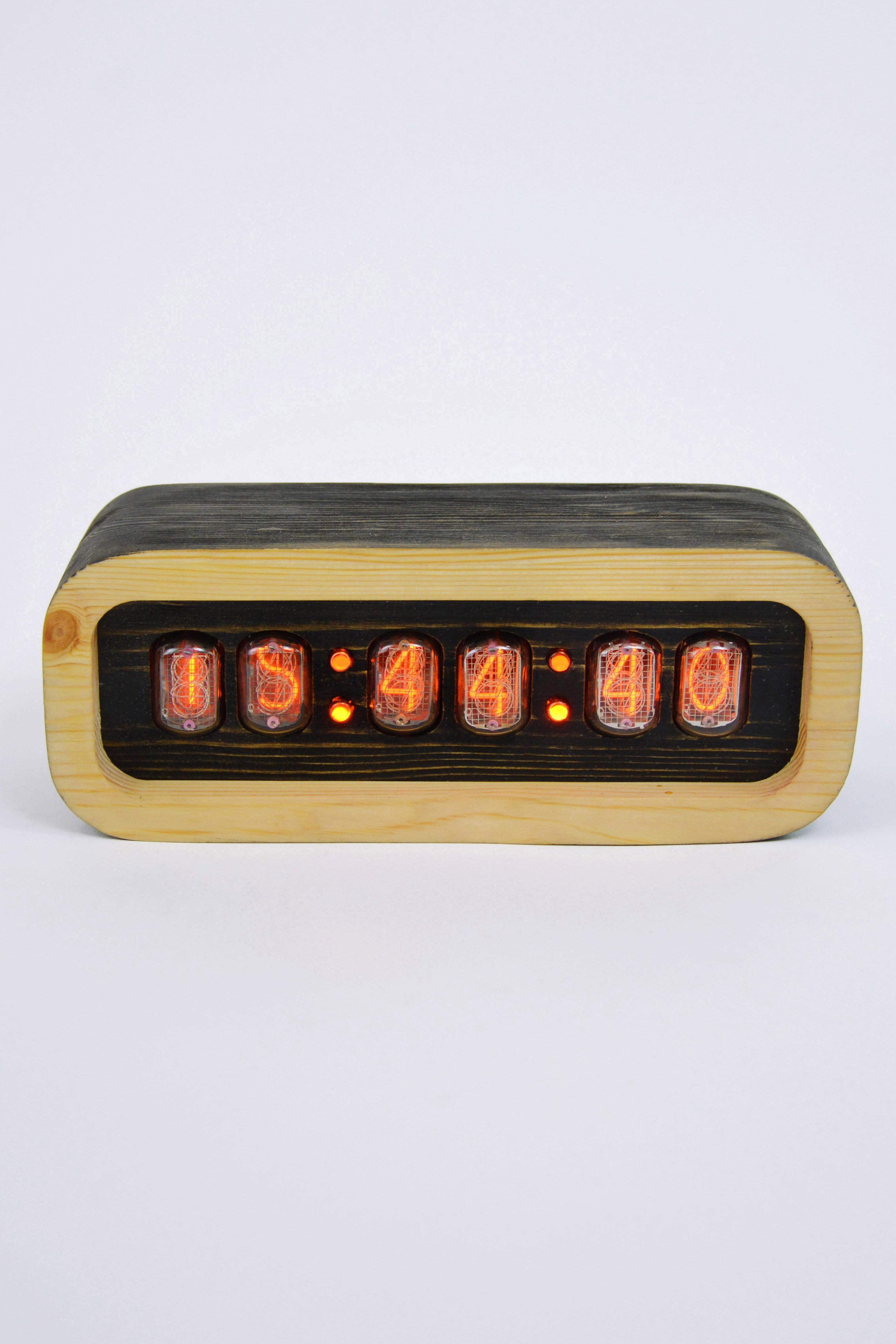 Ламповые часы - деревянные (венге/светлые)