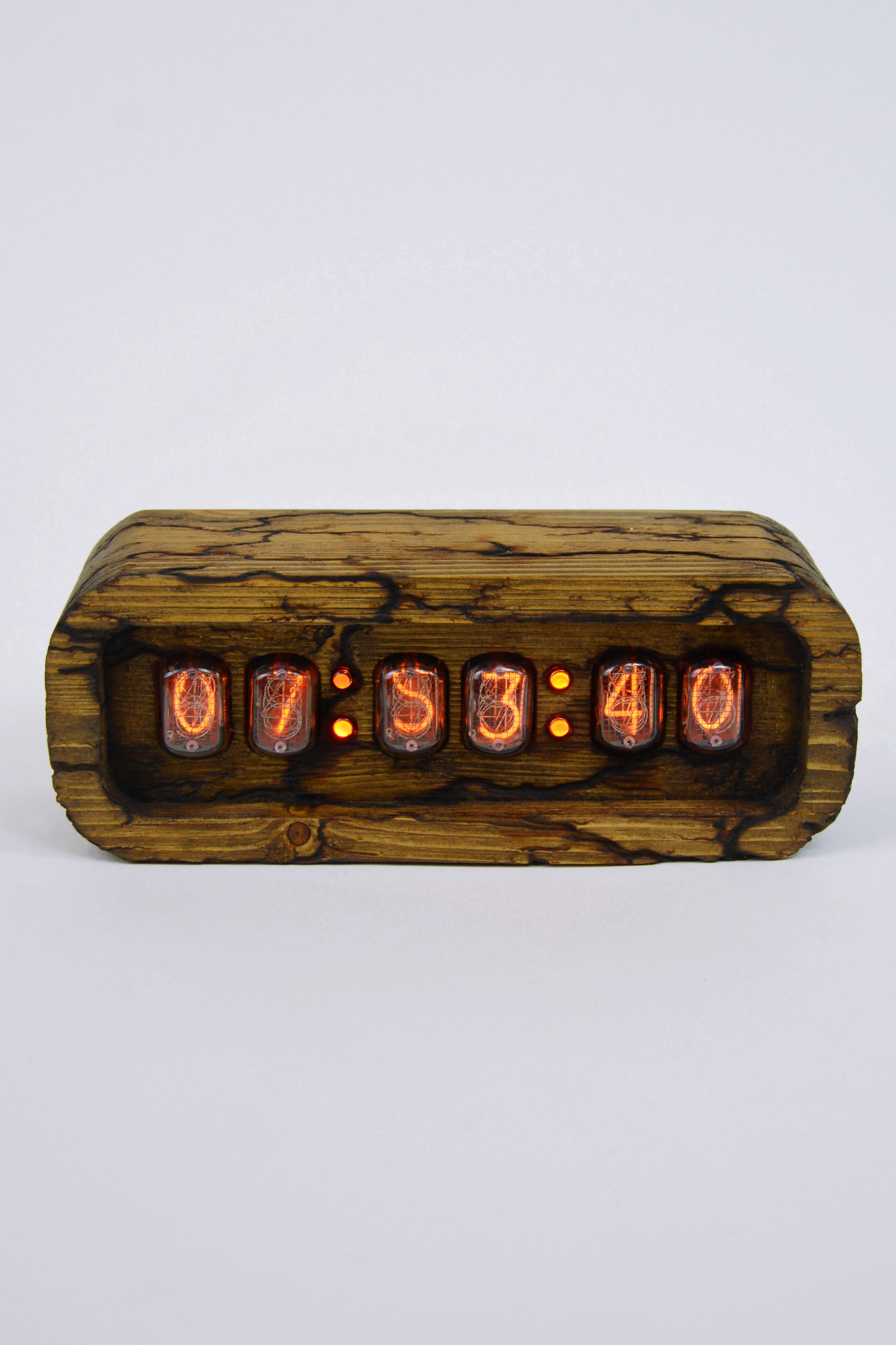 Ламповые ретро часы - деревянные (фигуры Лихтенберга)