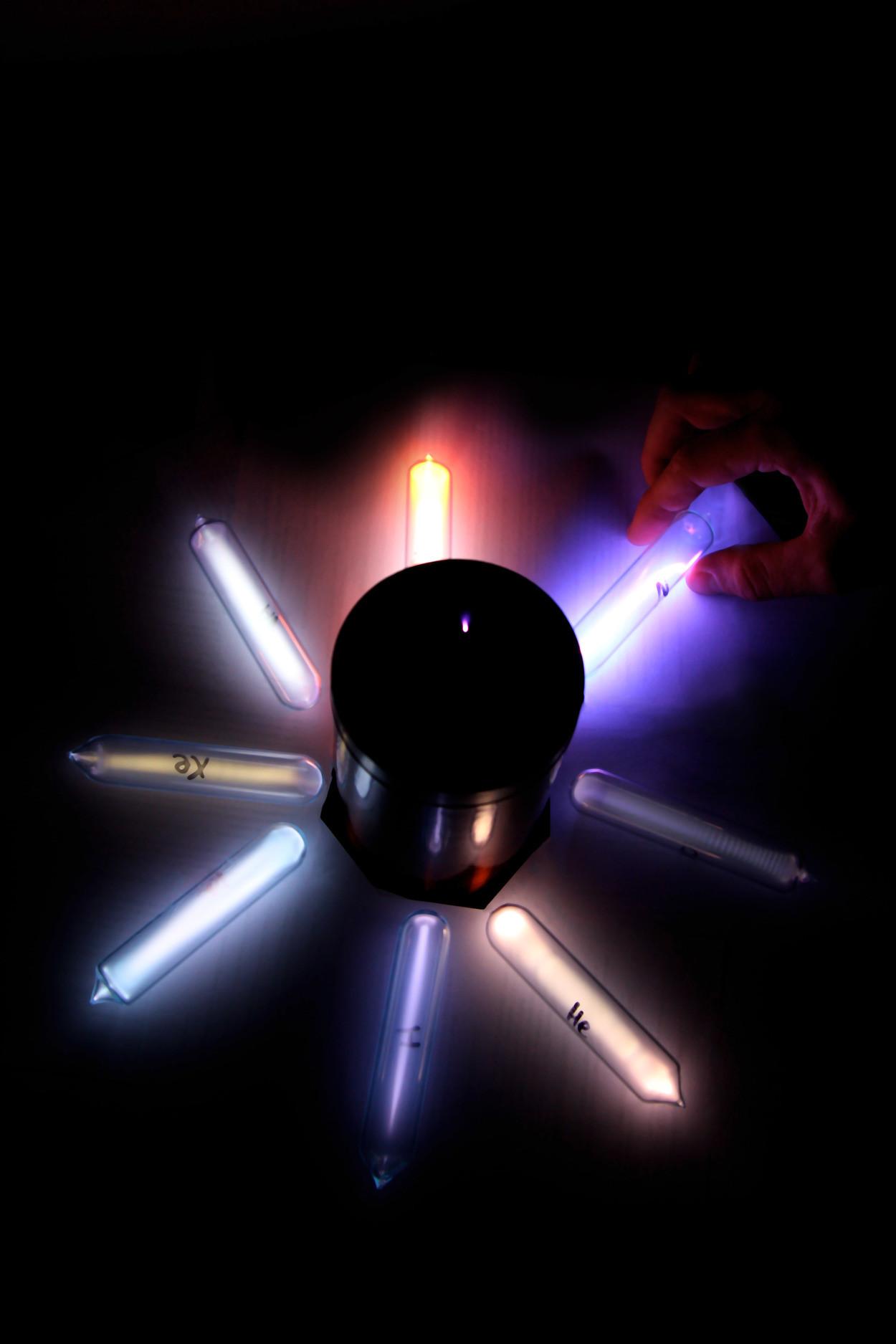 Трубочки для катушки Тесла с разными газами