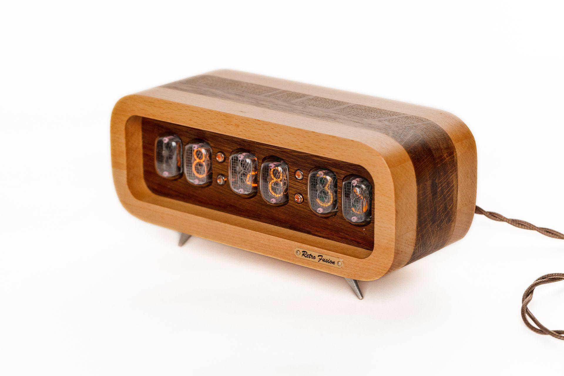 Ламповые ретро часы - деревянные (светлый/темный) от 15 990 руб