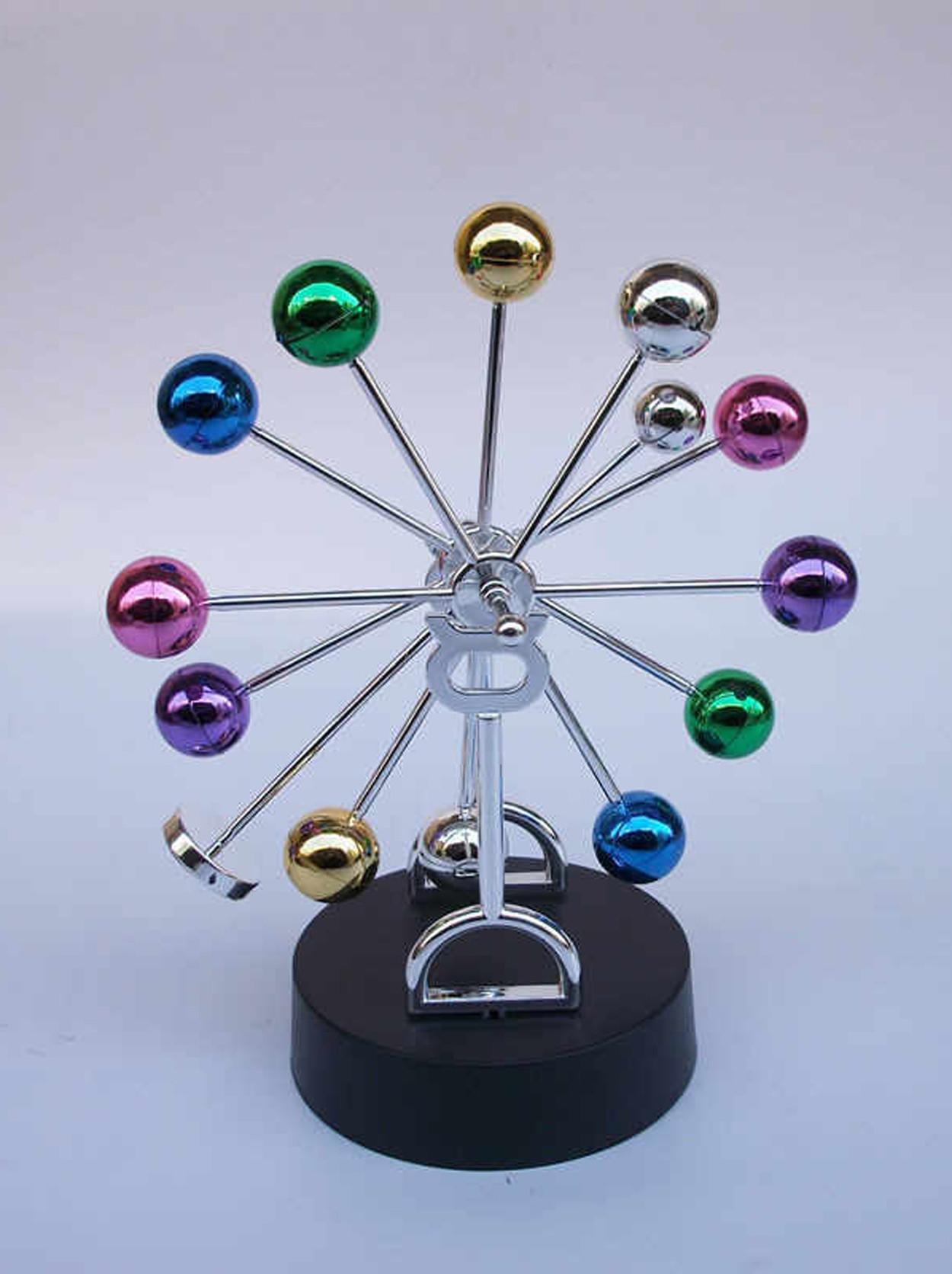 Настольный магнитный маятник цветные шары (22 см)